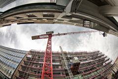 BRÜSSEL, BELGIEN - 30. MÄRZ 2018: Baustelle fotografiert mit dem Türspion Lizenzfreie Stockbilder