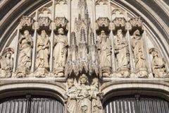 Brüssel - Detil vom Hauptportal des Heiligen Michael Lizenzfreie Stockbilder