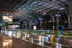 Brüssel-Flughafenabfertigungsgebäude stockfotos