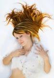 brązowa dziewczyno z niebieskimi włosami Zdjęcie Stock