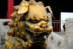 brązowa lew posąg obraz stock