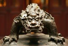 Brązowa postać chińska mitologiczna bestia zdjęcie royalty free