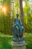Brązowa rzeźba Euterpe - dumający muzyka i elokwencja Stary Silvia park w Pavlovsk, St Petersburg, Rosja zdjęcia stock