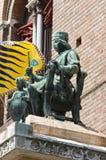 Brązowa statua. zdjęcia royalty free