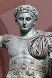 Brązowa statua Romański cesarz Constantine w Mediolan, Włochy Zdjęcia Royalty Free