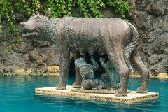 Brązowa statua Romulus, Remus i Romański wilk obrazy stock