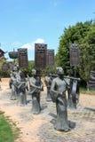 Brązowa statua utrzymanie cisza obrazy stock