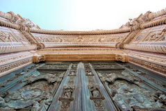 brązowi drzwi katedralni Florence Obrazy Royalty Free