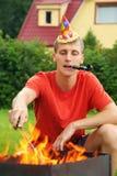 brązownika calumet mężczyzna blisko picnic Zdjęcie Stock