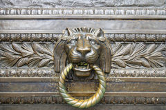 brązowy drzwi głowy knocker lew Zdjęcie Royalty Free