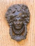 brązowy drzwiowego knocker średniowieczny drewniany Zdjęcie Stock
