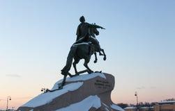 Brązowy jeździec, zabytek Petere Najpierw, Petersburg Fotografia Royalty Free
