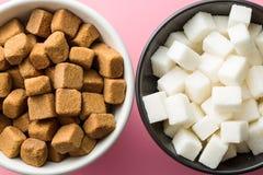 brązowy kostki cukru białego Zdjęcie Stock