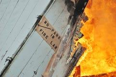Brûlure du feu images stock