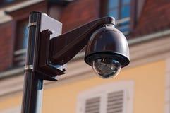 br?z kamery bezpiecze?stwe ochrona na miastowym tle zdjęcia royalty free