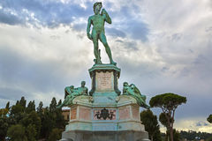 Brąz lana statua David przy Michelangelo kwadratem (Piazzale Mic Obrazy Stock