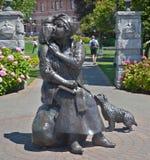 Brązowa statua honoruje renomowanego Kanadyjskiego artysty Emily Carr Zdjęcia Stock