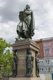 Brązowa statua Karl Friedrich Schinkel w centrum Berlin Obraz Royalty Free