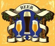 Braço da cerveja com canecas e palmeiras de cerveja Fotografia de Stock
