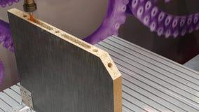 Braço do robô no processo metalúrgico da máquina-instrumento para a fabricação da indústria vídeos de arquivo