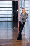 Braços da mulher de negócio cruzados Imagem de Stock