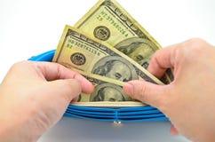 Wydawać niektóre pieniądze Fotografia Stock