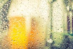 Brać prysznić podczas gdy biegający (Filtrujący wizerunek przetwarzał rocznika ef Obrazy Stock