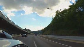 Brać zwrot na autostradzie zbiory wideo