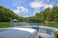 Brać łódź Out na jeziorze Zdjęcie Royalty Free