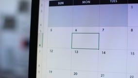Bra dag planlagd i online-kalender på PC, självmotivation och inspiration arkivfilmer