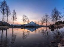 Bra morgon Fuji arkivfoton