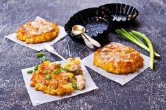 Braadpan met groenten en vlees royalty-vrije stock foto