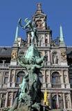 Brabo喷泉,格罗特Markt,安特卫普,比利时 库存图片