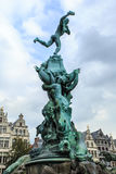 Brabo fontanna przy Grote Markt w Antwerp, Belgia Zdjęcia Royalty Free