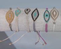 Braccialetti delle signore della perla Isolato Fotografia Stock Libera da Diritti
