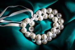 Braccialetto bianco della perla Immagine Stock