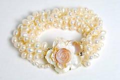Braccialetto con la perla naturale Immagine Stock Libera da Diritti