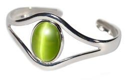 Braccialetto d'argento con la pietra verde Fotografia Stock