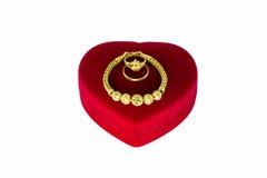 Braccialetto dell'oro ed anello di oro due Fotografie Stock Libere da Diritti