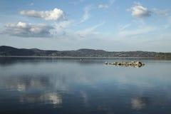 Bracciano ` s jezioro, widok od Anguillara Sabazia Obraz Stock