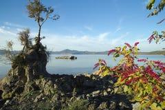 Bracciano ` s jezioro, widok od Anguillara Sabazia Zdjęcie Stock