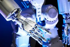 Braccio del robot del metallo immagine stock libera da diritti