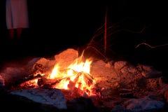Brace - fuoco di accampamento Immagine Stock
