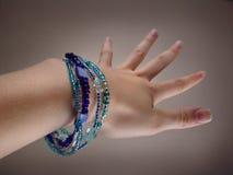 Bracelet bleu photographie stock