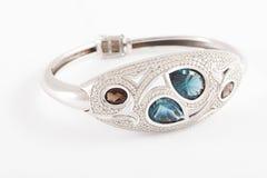 Bracelet de diamant et de topaze Photographie stock