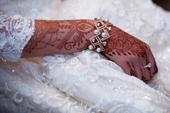 Bracelet de jeunes mariées Images libres de droits