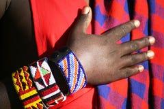 Bracelet sur le guerrier de masai Image libre de droits