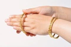 Bracelete bonito do ouro Imagem de Stock
