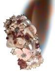 Bracelete com as flores cor-de-rosa da madrepérola e das pedras Fotos de Stock