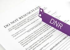 Bracelete de DNR e formulário do hospital Fotografia de Stock Royalty Free